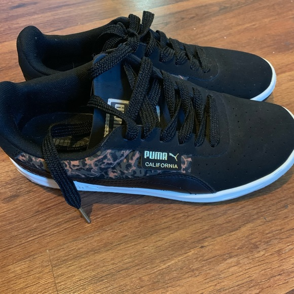 Los Angeles a039f cfcdc Leopard and black PUMAs